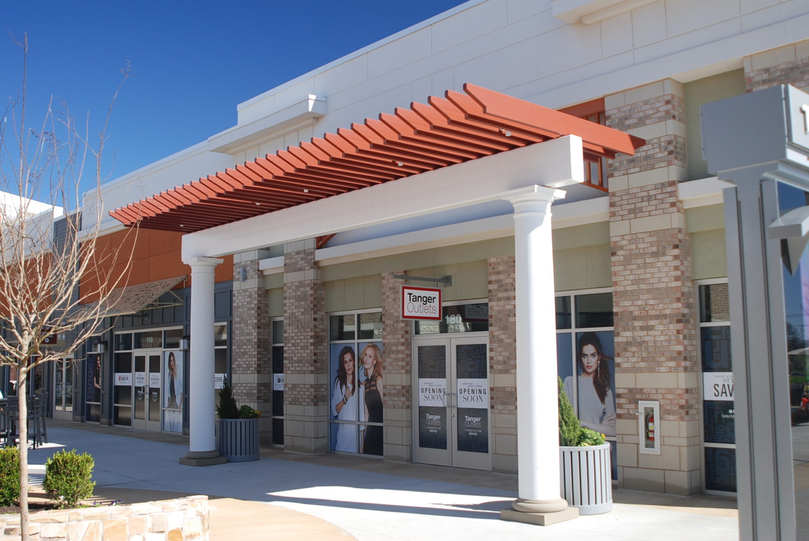 Tanger Outlets B